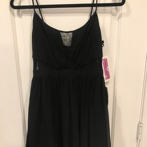 NWT Hailey Logan by Adrianna Papell Black Lace